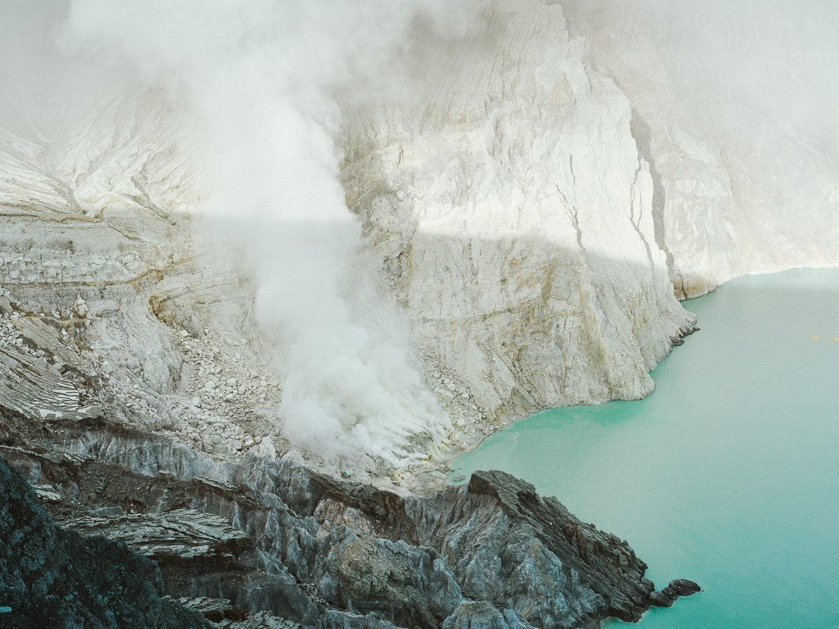 How-to-visit-Kawah-Ijen-Java-Indonesia