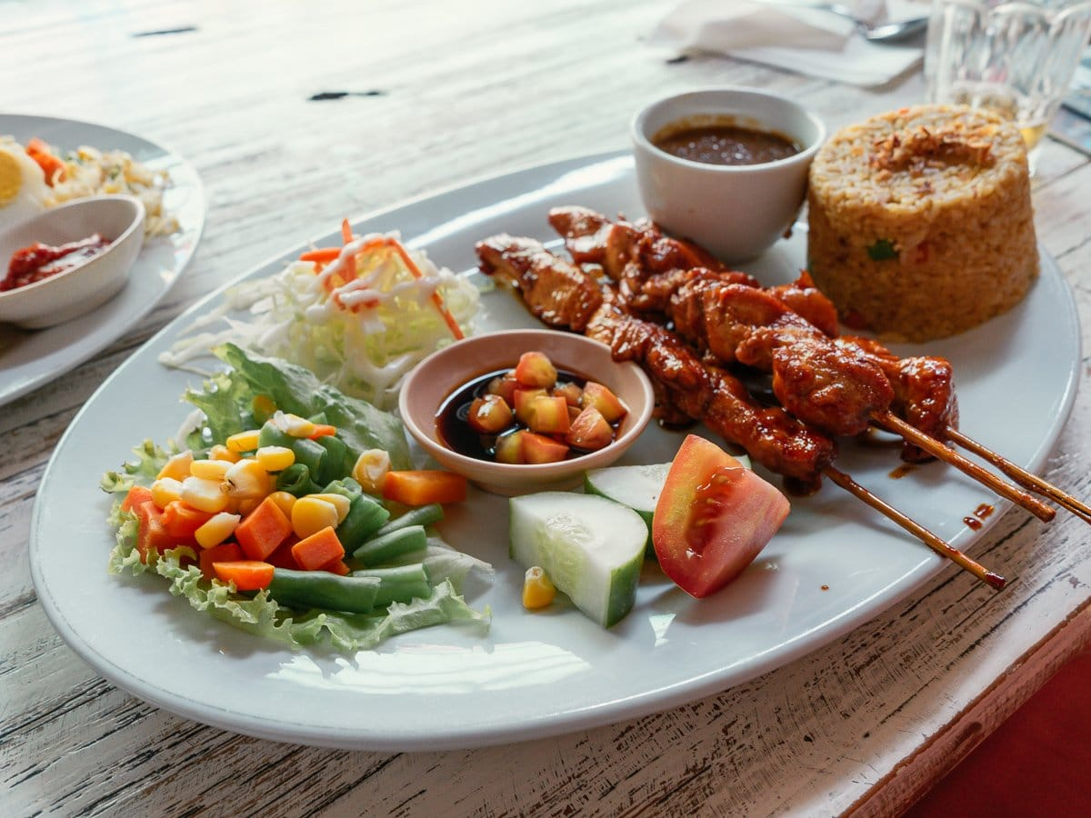Foods-to-try-while-in-Indonesia