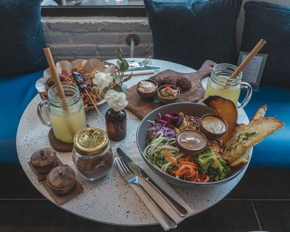 where-to-eat-in-canggu-bali-2362102