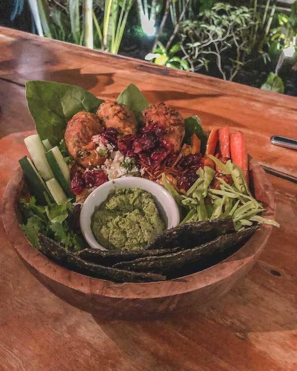 where-to-eat-in-canggu-bali-7799805