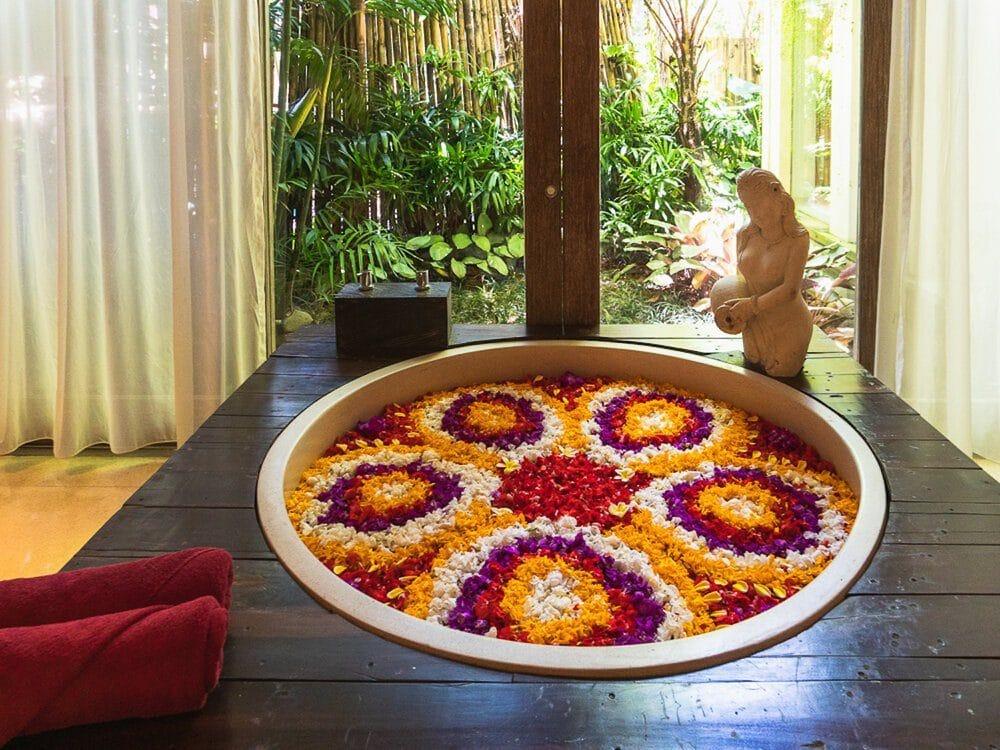 how-to-enjoy-bali-on-a-rainy-day-flower-bath-udaya-spa-elen-pradera-3142942