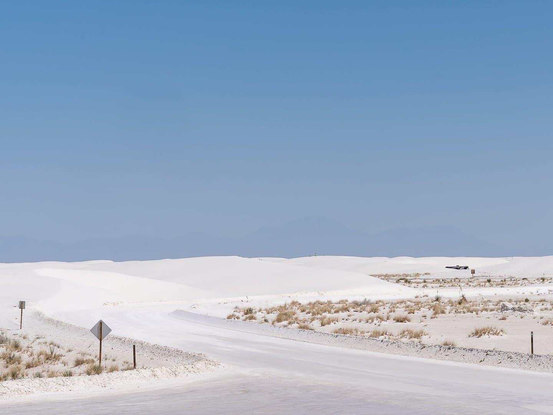 Car-road-White-Sands-National-Park